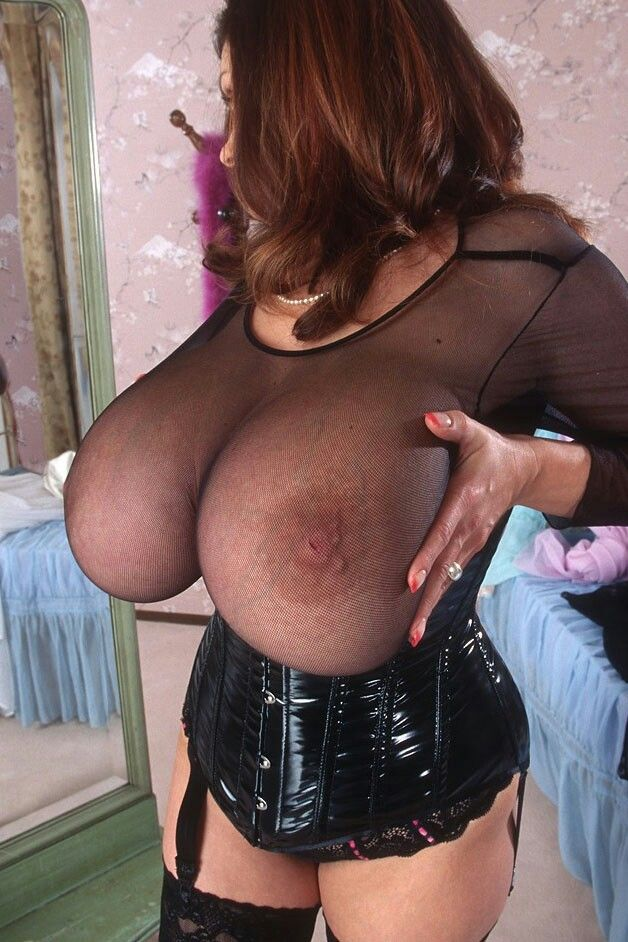 Readhead MILF Huge Natural Tits