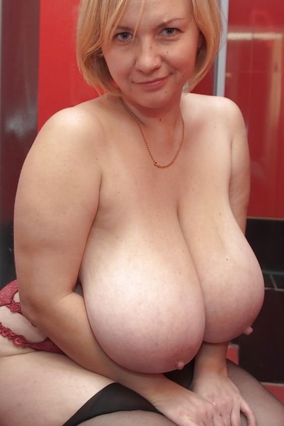 huge natural mature tits