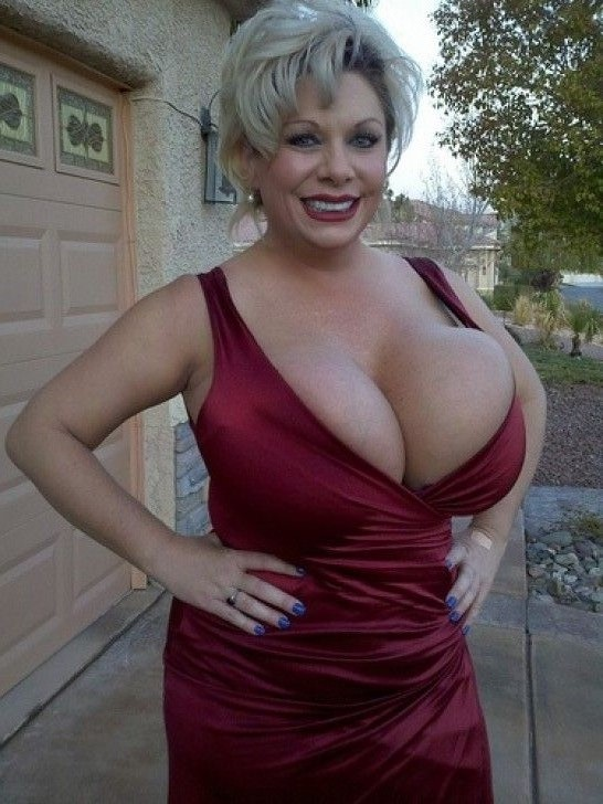 Fake tits claudia marie big