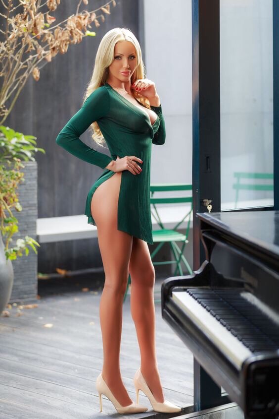 big titty blonde in sexy tight dress
