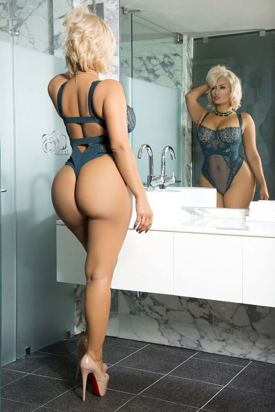 busty Jessica Kylie big fat ass booty picture set 0
