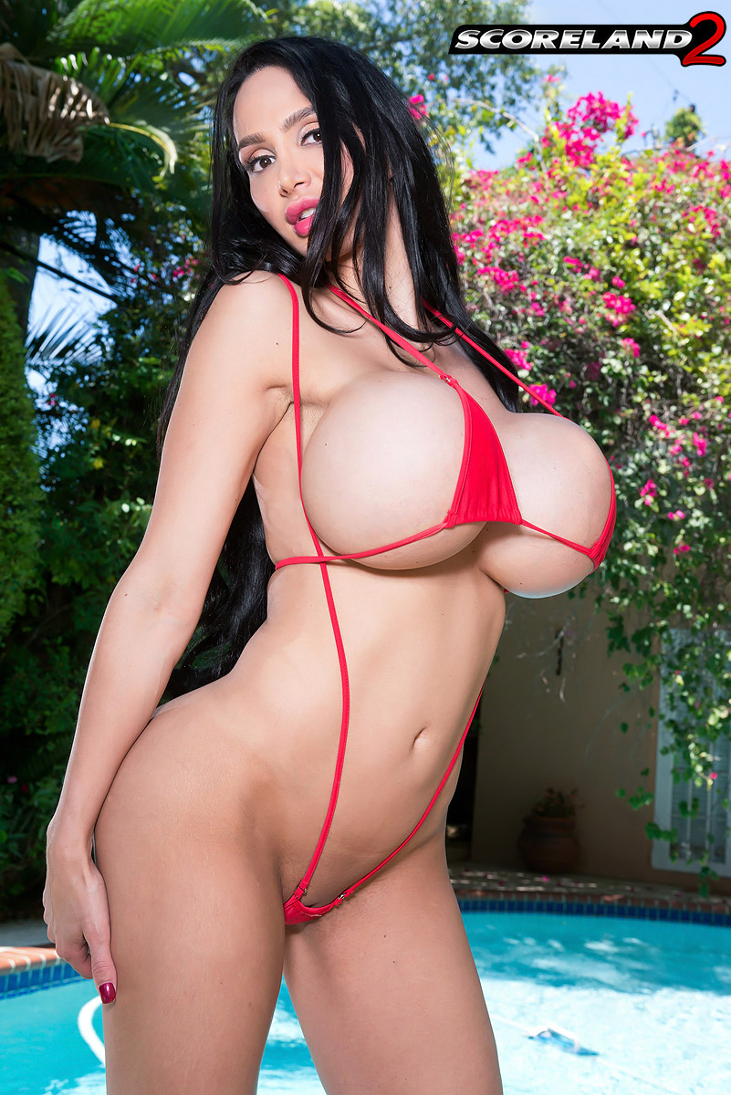 hot pic set of amy anderssen big fake boobs in high heels