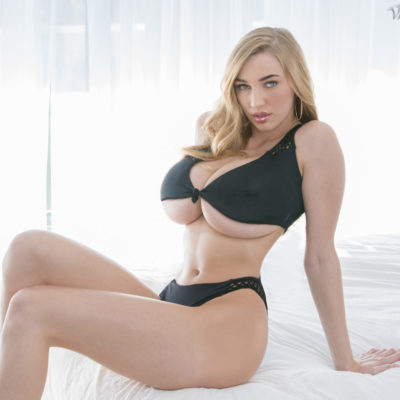 Kendra Sunderland Giant XXXL sized Boobs