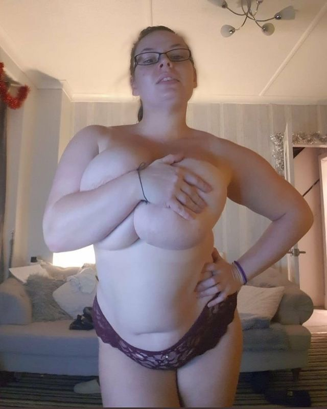 Natural Busty Blonde Amateur